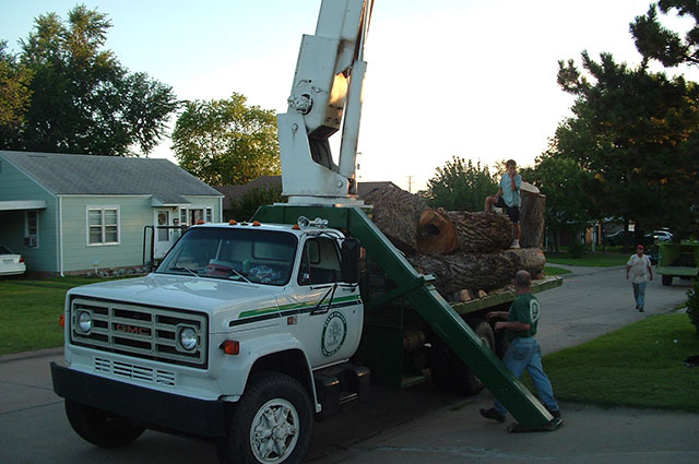 pctsi-payne-county-tree-service-stillwater-oklahoma-ok-tree-trimming-firewood-wood-chips-recycling